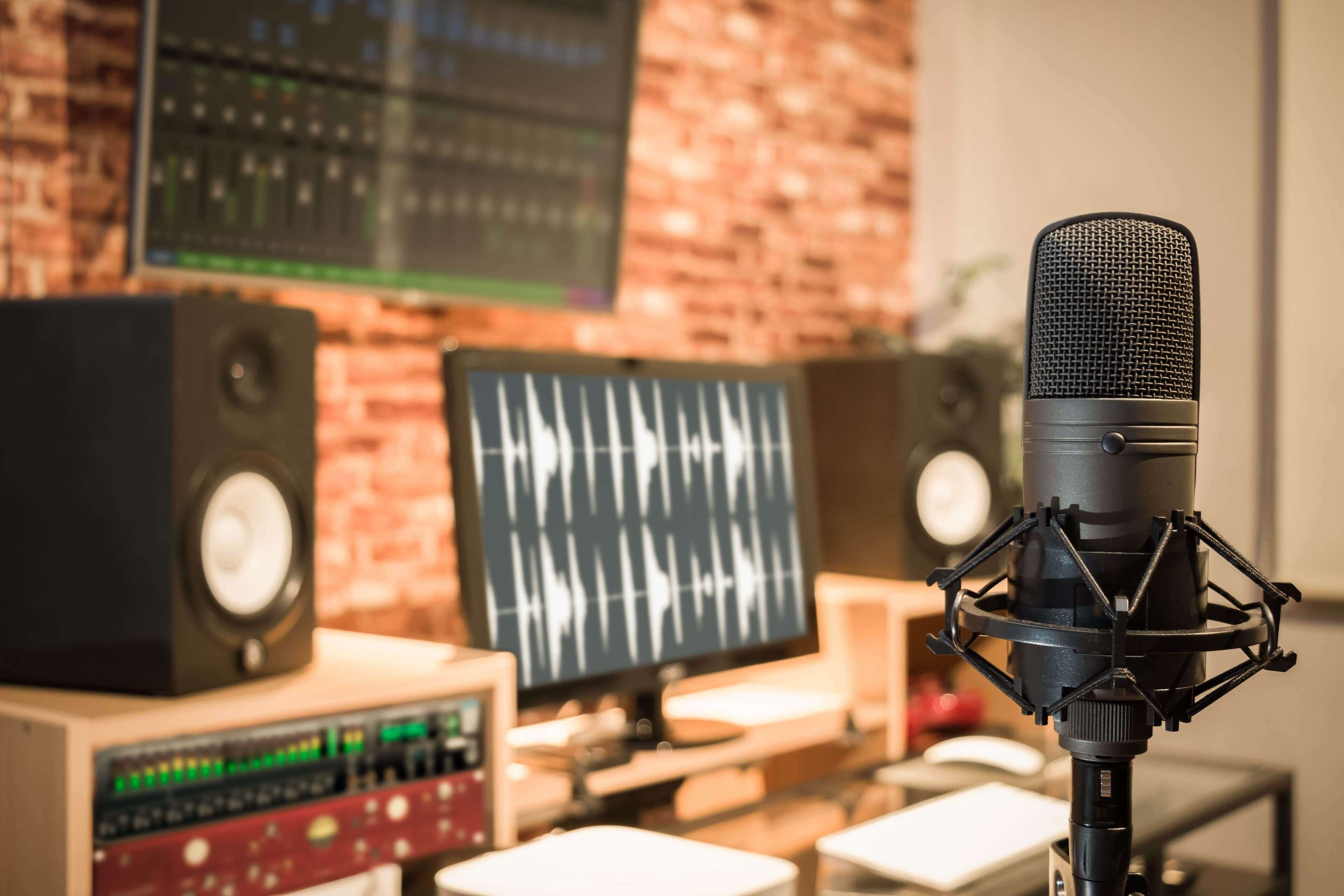 7 Podcasts to Make You a Smarter Business Owner