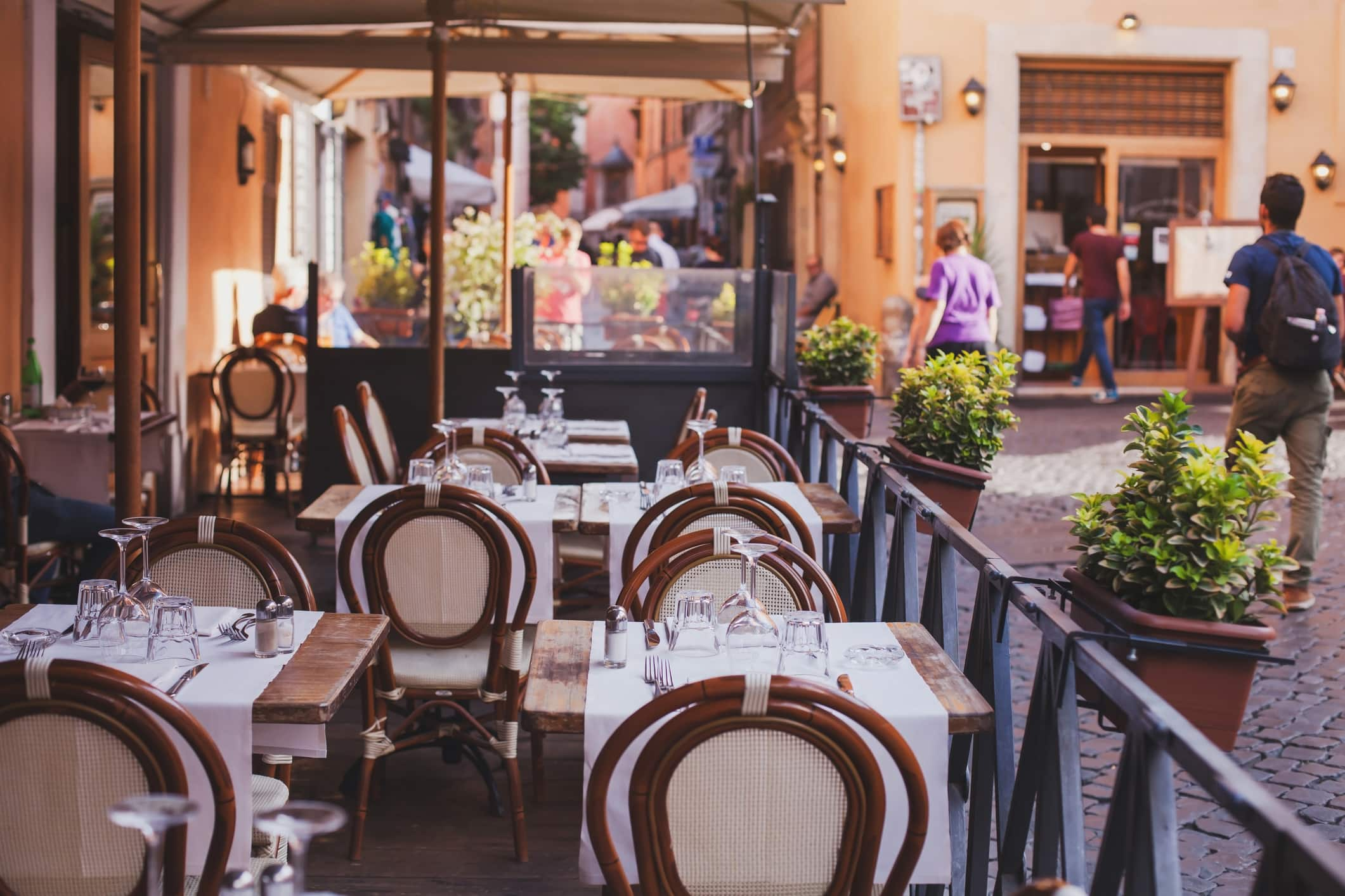 The Pros and Cons of 9 Restaurant Location Types